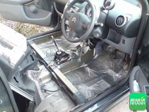 Dán lớp chống ồn lên xe ô tô